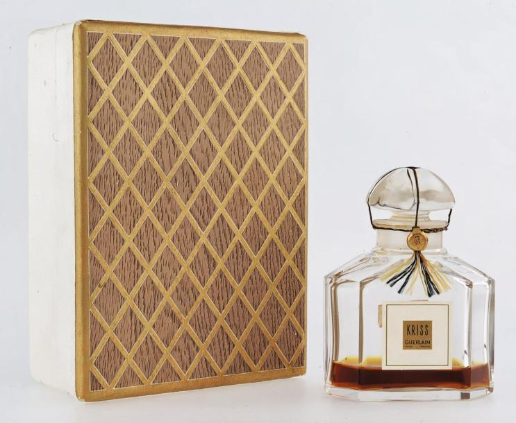 Vente aux encheres haute parfumerie art richelieu for Miroir quadrilobe