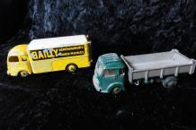"""DINKY-TOYS- Simca Cargo""   Deux miniatures au 1/43°. Cargo Simca version ""Bailly,..."