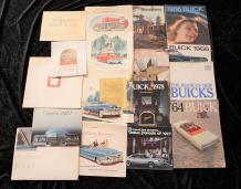 """Marques Américaines ""GENERAL MOTORS"" (U.S.A)-:Buick, Cadillac ""   Catalogues principalement..."