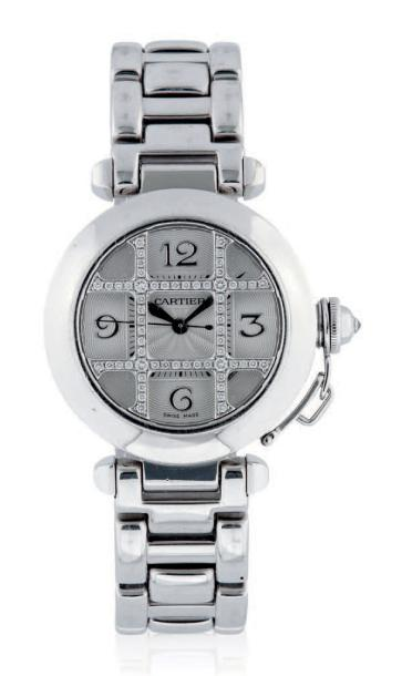 CARTIER PASHA GRILLE REF. 2400 WHITE GOLD Cartier case n°330734MG, ref. 2400. Made…