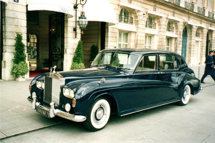 1963 Rolls Royce Phantom V Chassis n°5LVA99. Carte grise collection. Il s'agit d'une…